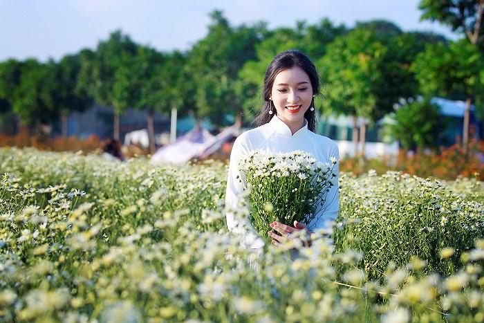 """luu ban nhap tu dong 1 - Những địa điểm chụp cúc họa mi """"đẹp không tưởng"""" tại Hà Nội"""